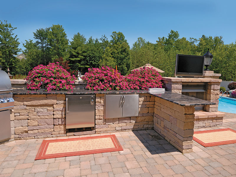 Appian® Prest® Brick Chiseled Random, Outdoor Kitchen
