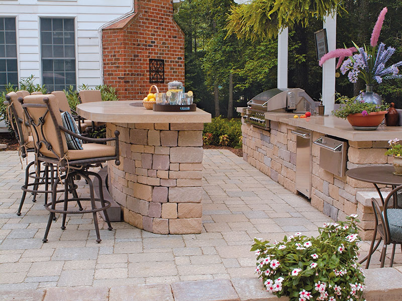 Chapel Stone® Garden Walling, Serengeti® Grande®, Outdoor Kitchen
